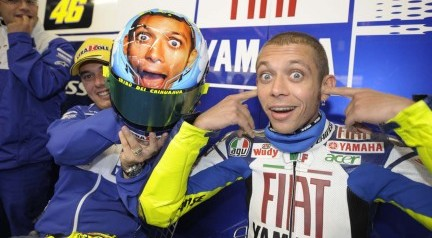 Valentino Rossi si accorda con Monster